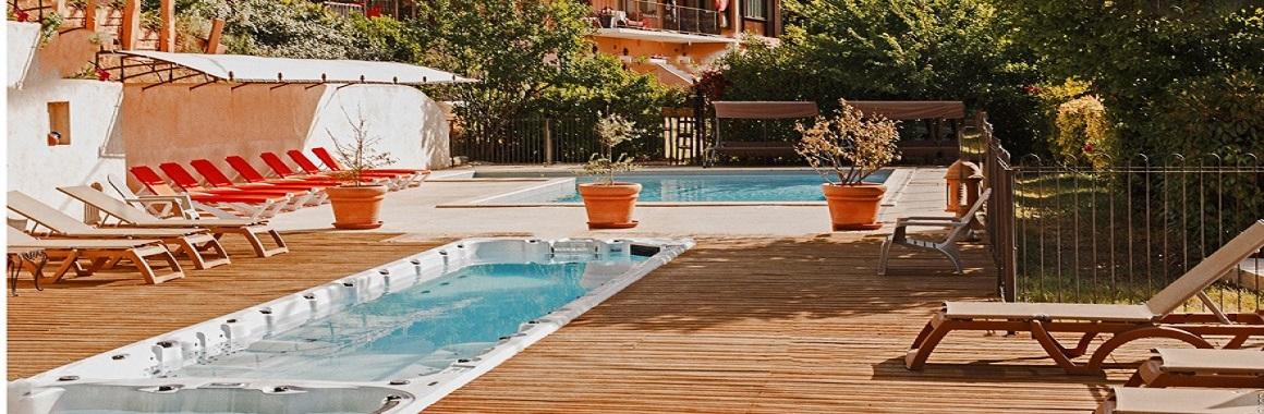 locations de vacances spa provence locations gites avec spa vaucluse village de gites paca. Black Bedroom Furniture Sets. Home Design Ideas